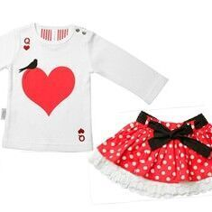Girl's 'Queen of Hearts' themed outfit