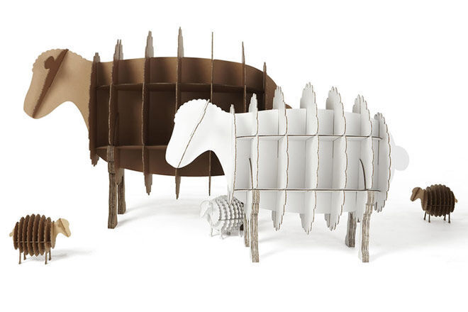 Karton Sheep Family Bookcase