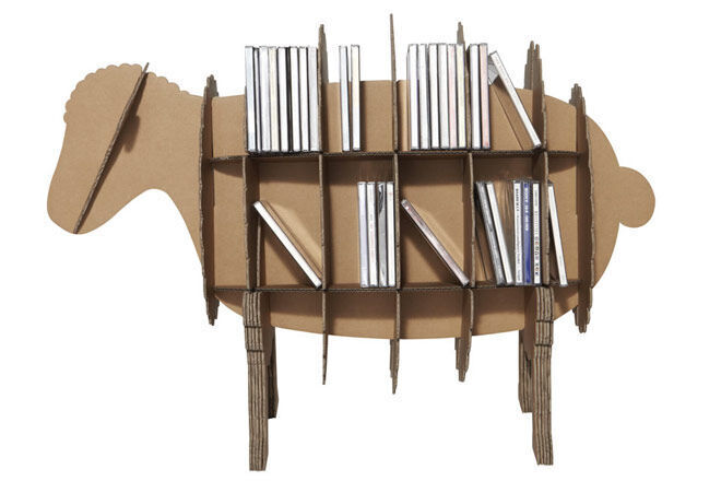 Karton-Bookcase-Sheep-with-books