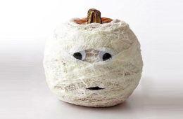 Halloween crafts: mummy pumpkin