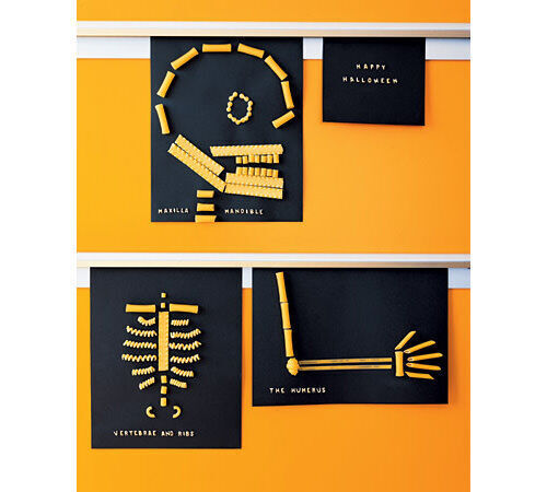 Halloween crafts: pasta skeletons
