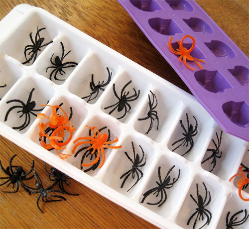 Halloween craft: spider ice cubes