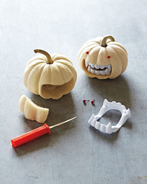 Halloween crafts: mini vampire pumpkins