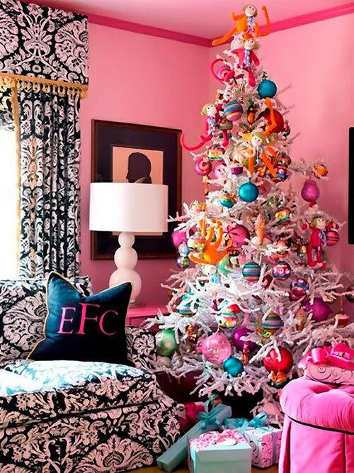 Christmas tree decor: jewel tones