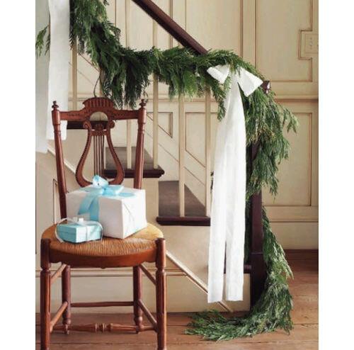 Christmas decor inspiration: stair bannister