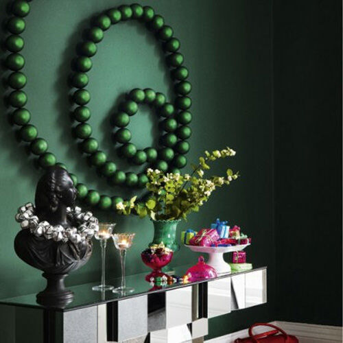 Christmas decor inspiration: deconstructed bauble wreath