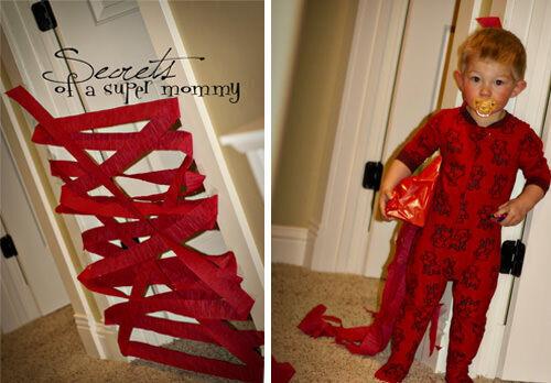Christmas craft - crepe paper door barrier