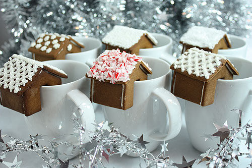 Gingerbread house coffee biscuits