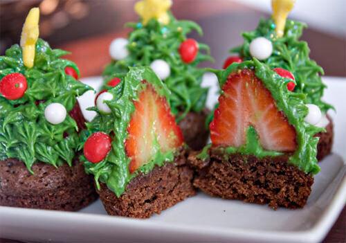 Strawberry Christmas tree brownies