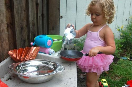 Keeping kids cool - outdoor mud pie kitchen