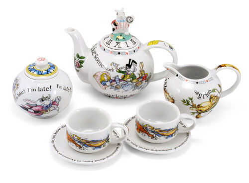 Alice in Wonderland mini tea set