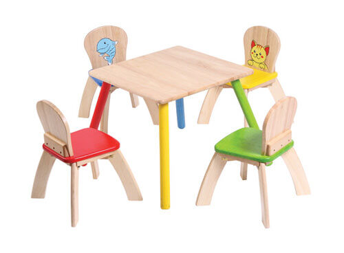 Voila wooden children's table and chairs