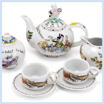 Alice-Wonderland-Tea-Set_FI