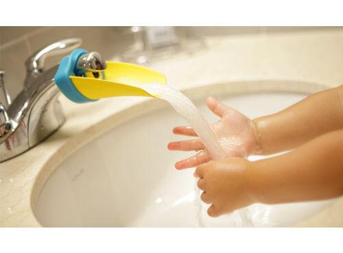 Aqueduck tap/faucet extender