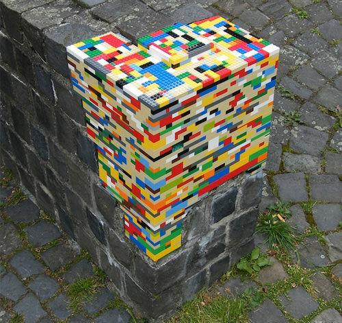 LEGO street art fence repair