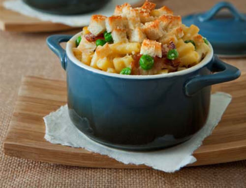 Speck, pea and marscapone macaroni bake