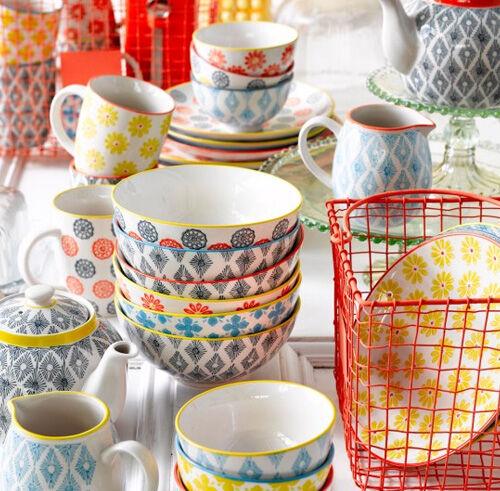 Mix and match china patterns  sc 1 st  Mumu0027s Grapevine & On trend: mix-and-match china patterns