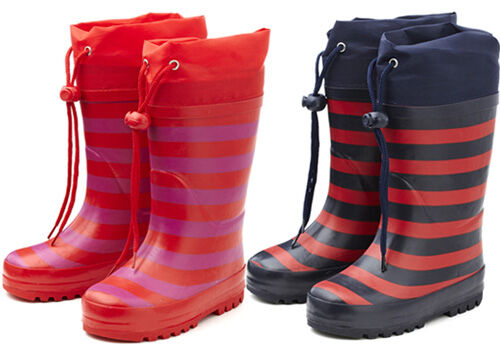 Wellies Online understands what kids need in children's wellies. We get it! That's why we've developed Welly Flexisoles. These gumboots have a flexible rubber sole, so your children can really jump in puddles.. And we appreciate that toddlers enjoy splashing .