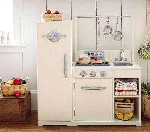 17 gender neutral toy kitchens for Childrens kitchenette