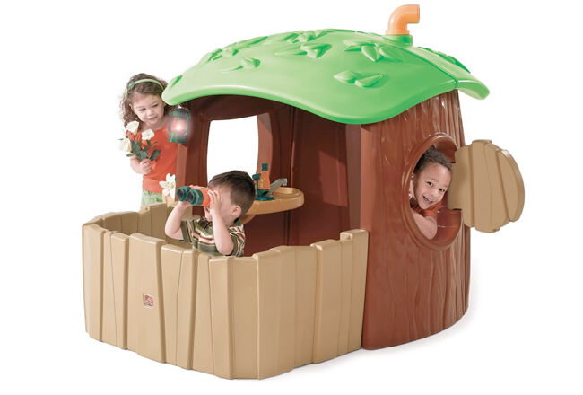 Step 2 Nature Station Cubby House