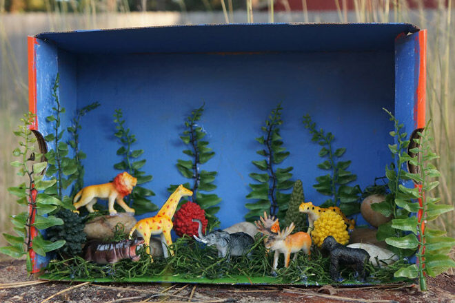 Christmas Shoebox Diorama.20 Crafty Ways To Recycle Christmas Packaging