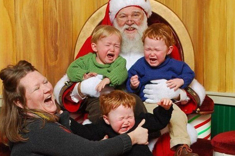 Awkward Santa Photos FI