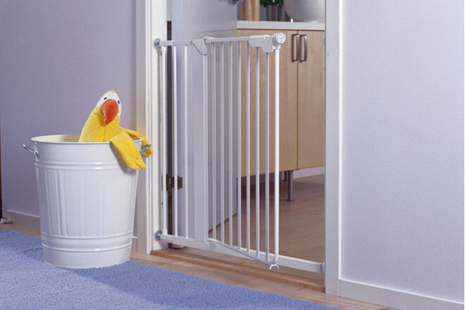 Glasvitrine Ikea Abschließbar ~ 14 baby safety gates and safety gates for your home