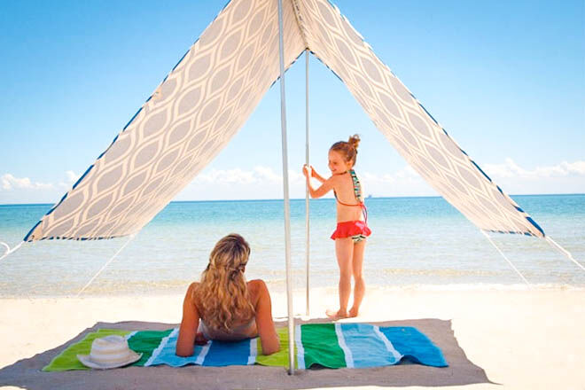 Beach tents and sun shelters
