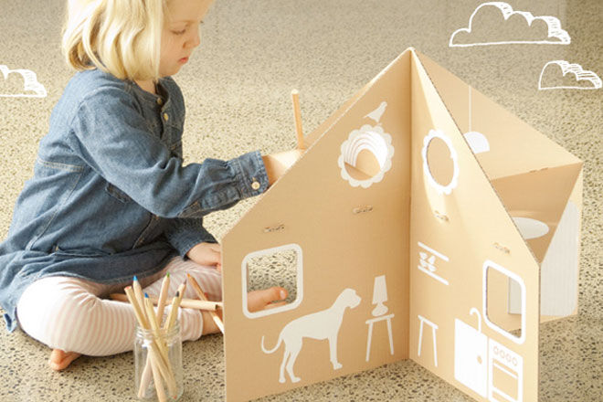 Flat-Out-Frankie-Flatpack-Cardboard-Play-House