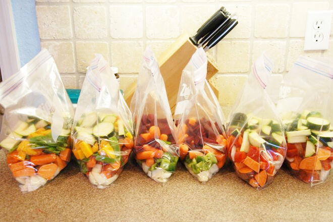 Pre-portioned slow cooker meals