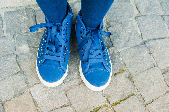 TOP TIPS 8 Ways To Teach Kids Tie Shoelaces