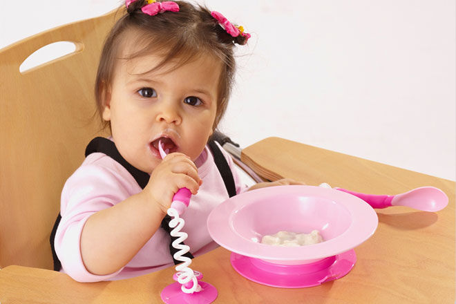 Ezee-Reach Stay-Put Cutlery and Bowl