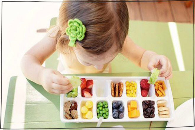 Ice cube tray buffet