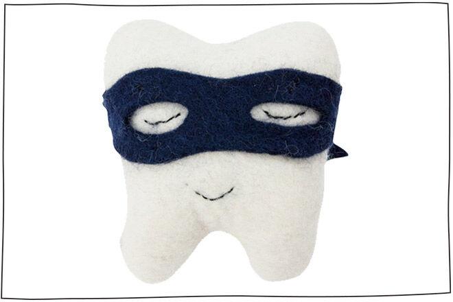 Tooth bandit cushion