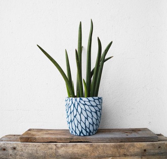 upcycle jumper planter vase