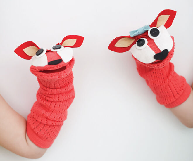 Fox Sock Puppets. Things to make out of your winter woolies.