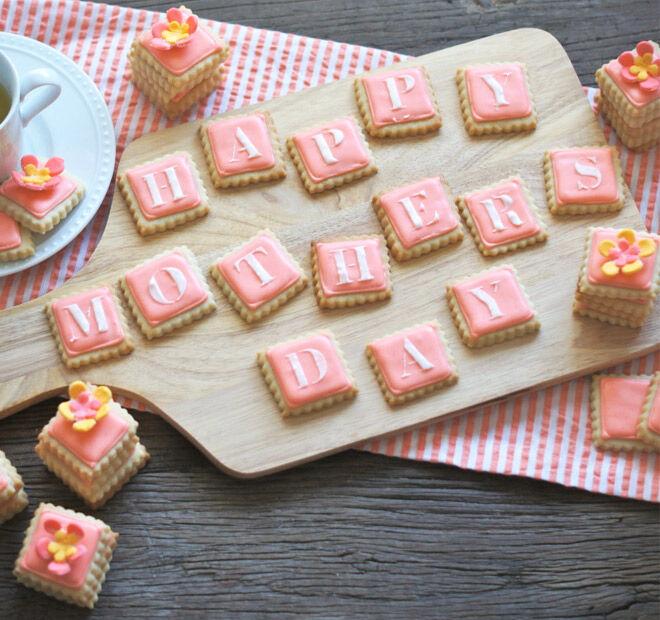 Pretty pink biscuits for mum this Mother's Day