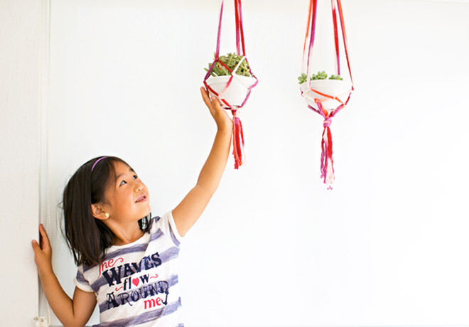Make your very own Macrame planters with this easy tutorial for Mother's Day