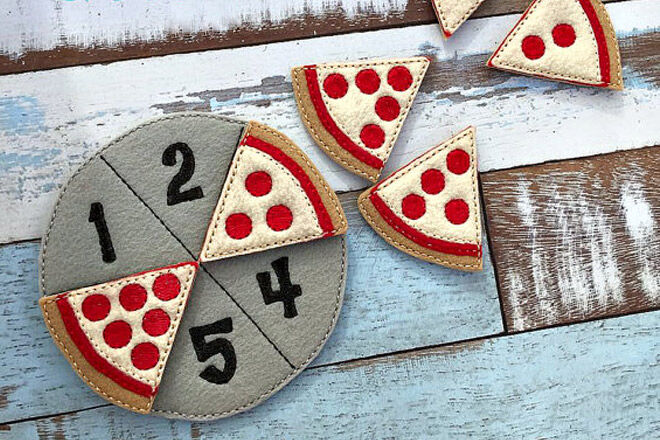 Felt pizza counting game