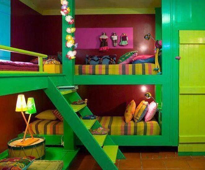 Corner bunks