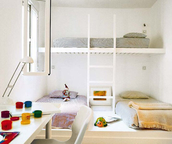 Whit Minimalist Shared Bedroom