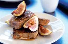 hot cross buns with figs