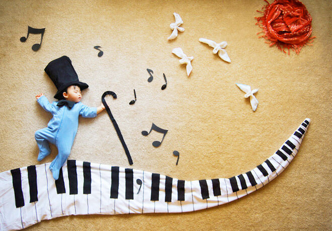 Creative mum makes fun picture stories while baby naps