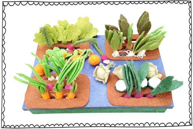 Grow a Garden Felt Veggie Set