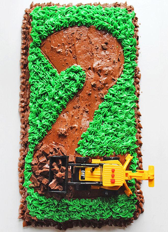 Birthday Cakes for Boys: Construction Cake via Carpe Seasons   Mum's Grapevine