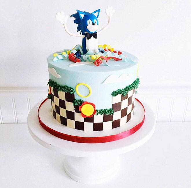 Birthday Cakes for Boys: Sonic Cake via @jennaraecakes   Mum's Grapevine
