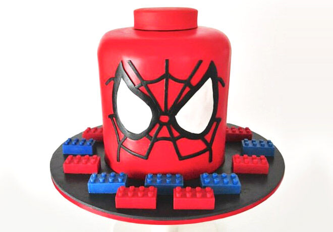 Birthday Cakes for Boys: Spiderman Cake via Tortissime | Mum's Grapevine