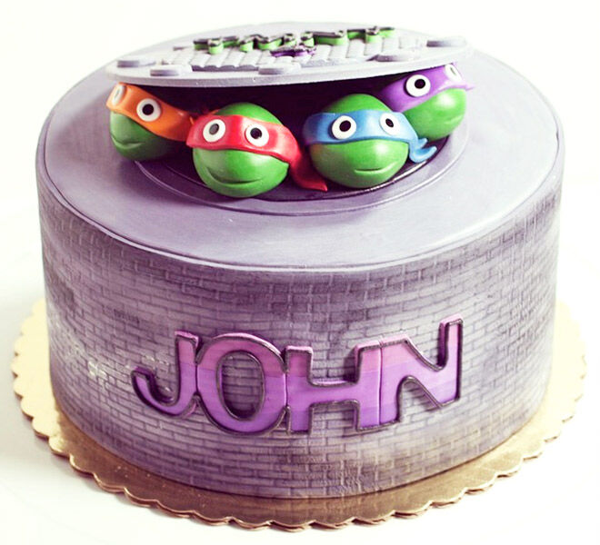 Birthday Cakes for Boys: Teenage Mutant Ninja Turtles Cake via @whippedbakeshop | Mum's Grapevine