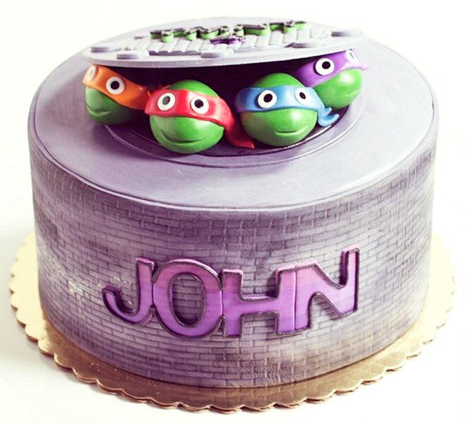 Birthday Cakes for Boys: Teenage Mutant Ninja Turtles Cake via @whippedbakeshop   Mum's Grapevine