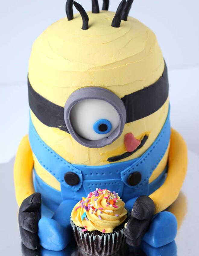 Minion birthday cake. Click link for tutorial | Mum's Grapevine